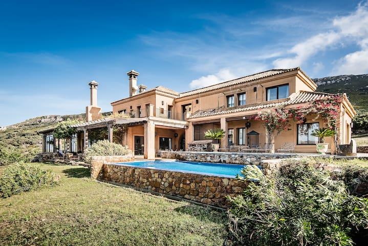 Alisoso, a luxurious spanish villa - Benalup-Casas Viejas - 別荘