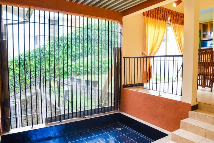 Kandy Villa One BedRoom (with pool)