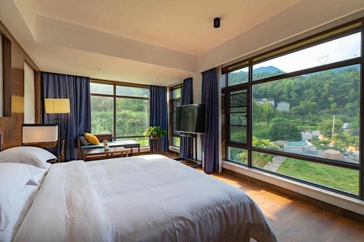 张家界·心悟观景大床房(免费接机)躺在床上欣赏张家界奇峰三千