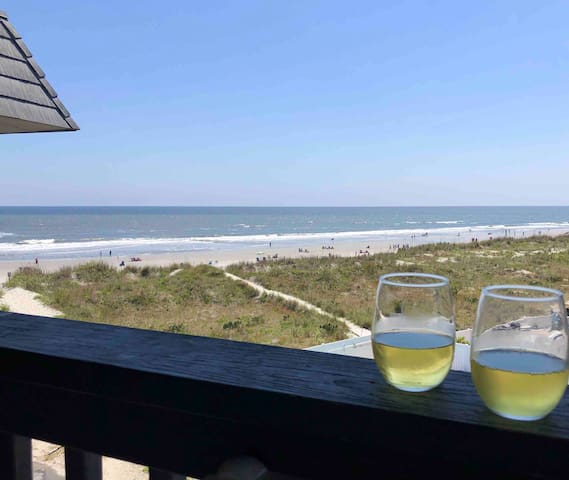 Ocean Front Condo w/ Private Fishing Pier & Pool!