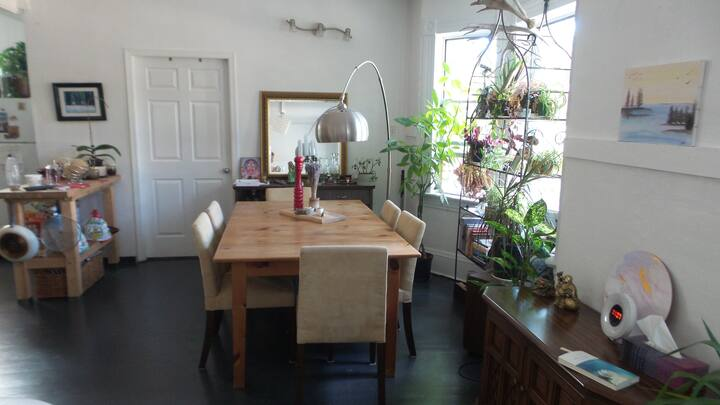 Comfy, Cozy & Big Room in the heart of Vancouver
