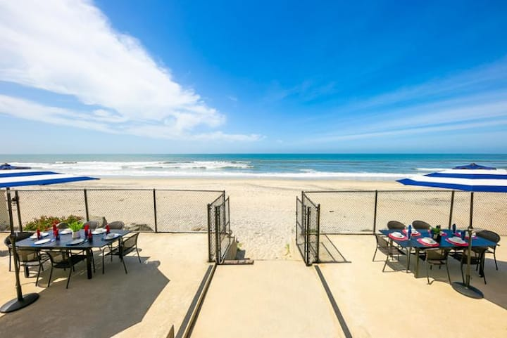 Beautiful Private Oceanfront Home, Views + Walk to All