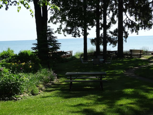 *Lake Huron*7 BR* Sleeps 24*SandyBeach*Kayaks*A/C* - Lexington - Talo