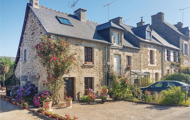 Holiday cottage with 2 bedrooms on 76m² in Le Minihic Sur Rance