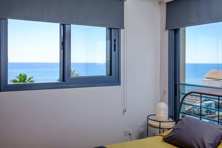 DiosPonte Collection   Mare   Finikoudes Beach