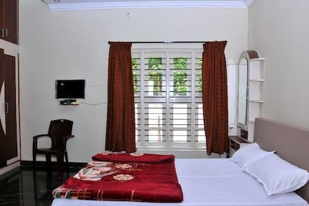 The bliss villa stay - Madikeri - Villa