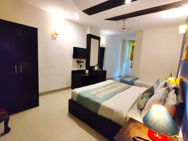 Tour Uncle triple bed near Karol bagh market