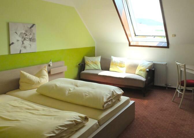 Familienzimmer mit  Badezimmer - Oberkirch - House