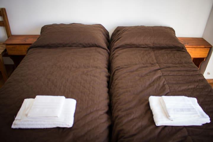 Habitación para dos personas, camas separadas con opción de matrimonial