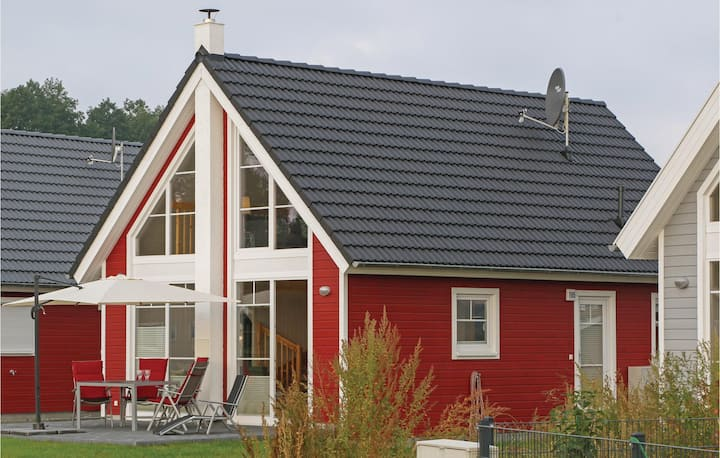 Holiday cottage with 2 bedrooms on 75m² in Zerpenschleuse