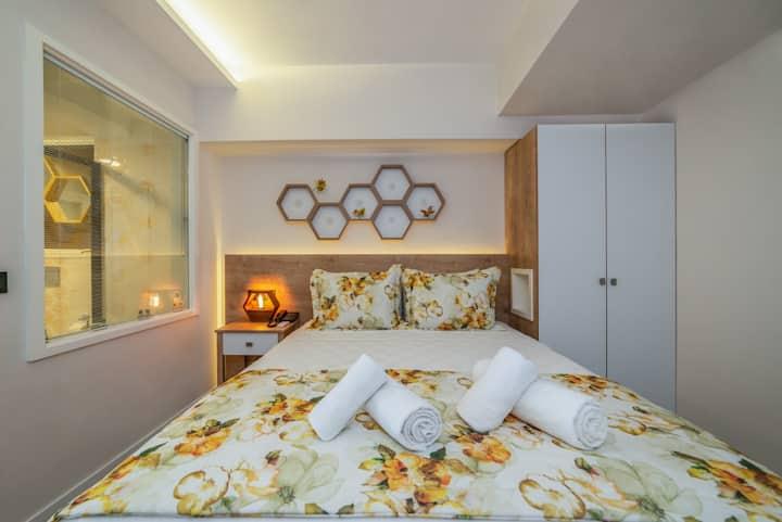 Luxurious apartment 1+1(Selimiye)