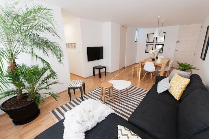 Bright Spacious very Central Monterrico Apartment