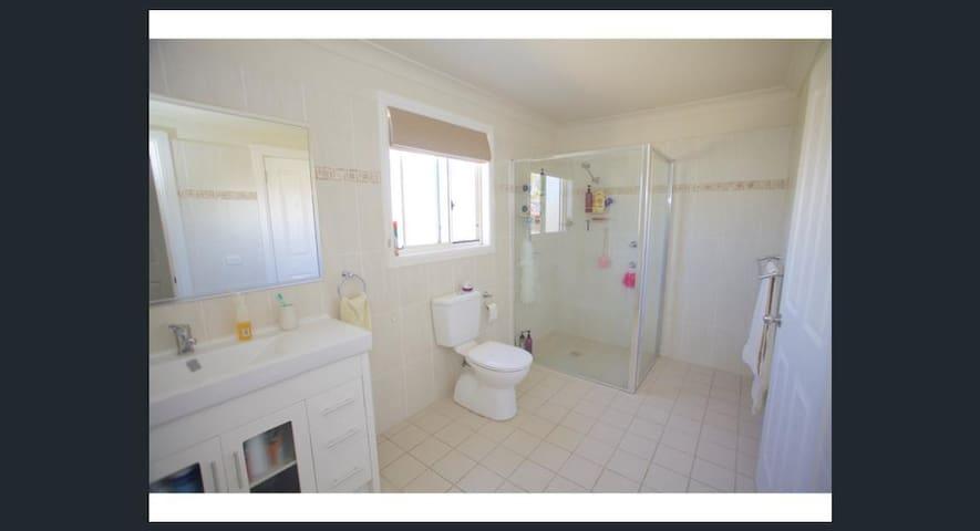 En suite off upstairs Bedroom