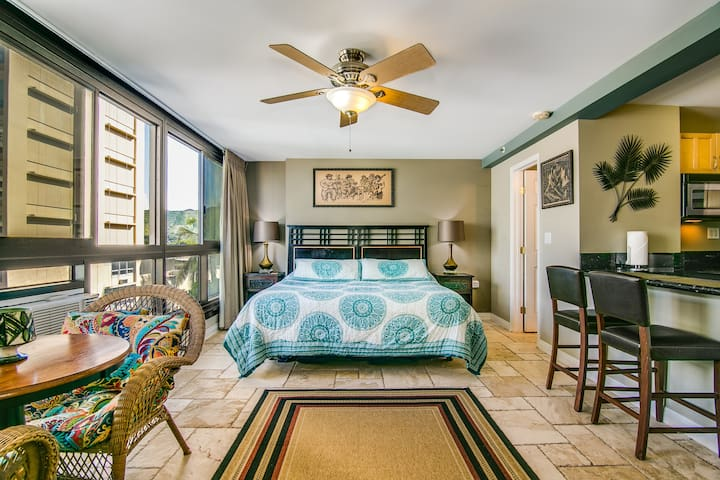 Mountain View Studio | Steps to Waikiki Beach | Sleeps 4