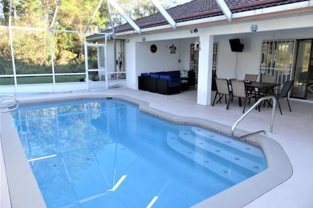 Spacious Heated Pool home with pool/pingpong table
