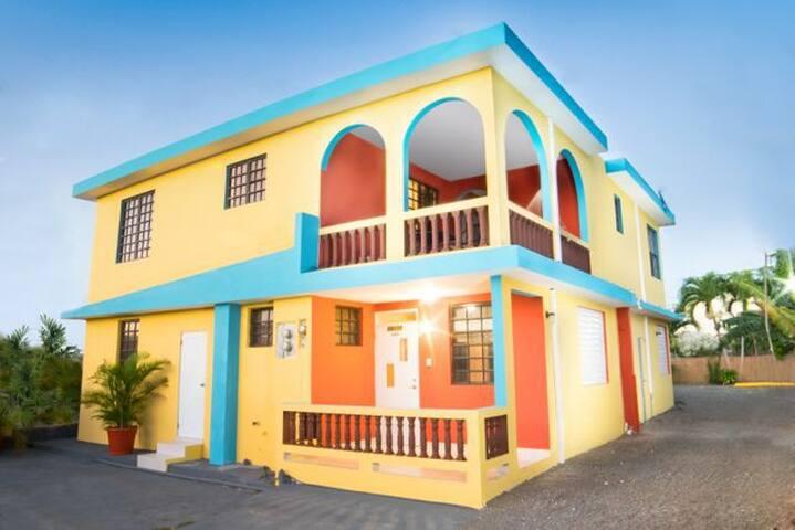 La Ceiba Suite #1: Two Bedroom, 1 Bathroom - Aguadilla - Huoneisto