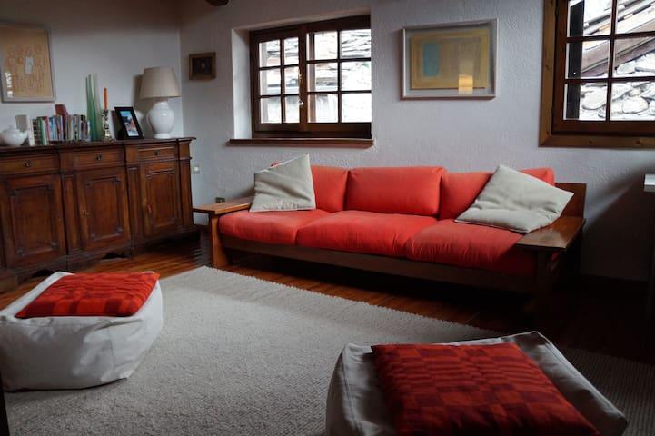Spazioso Loft ai piedi del Monte Bianco - Entreves  - Apartamento