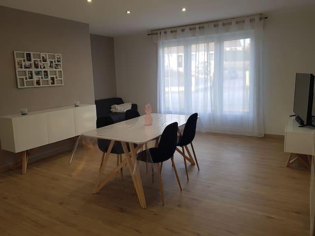 Maison entière 2 chambres  Connérré Duneau