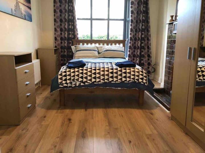 4 bedroom house in prime location in Cork City