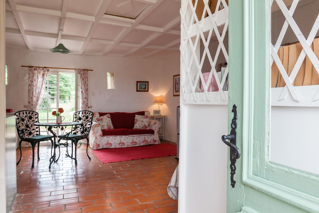 Welcome to cosy La Rosa Cottage