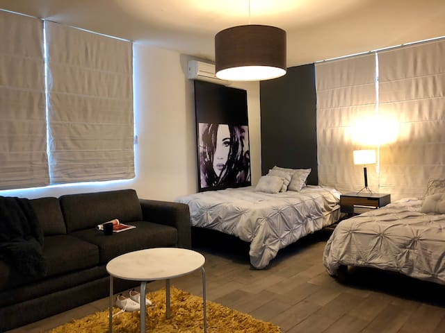 2 Bed option private room/ Fundidora, Tec, Estadio