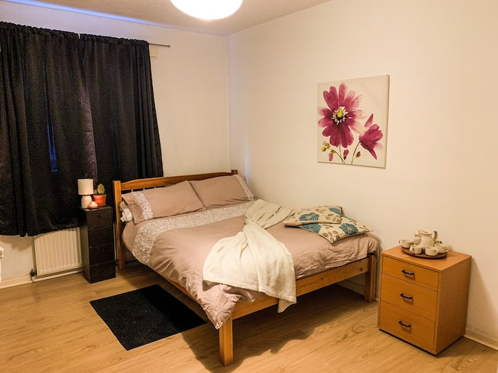 Insta-worthy, DBL room 🚌🔟 mins to Edinburgh city.