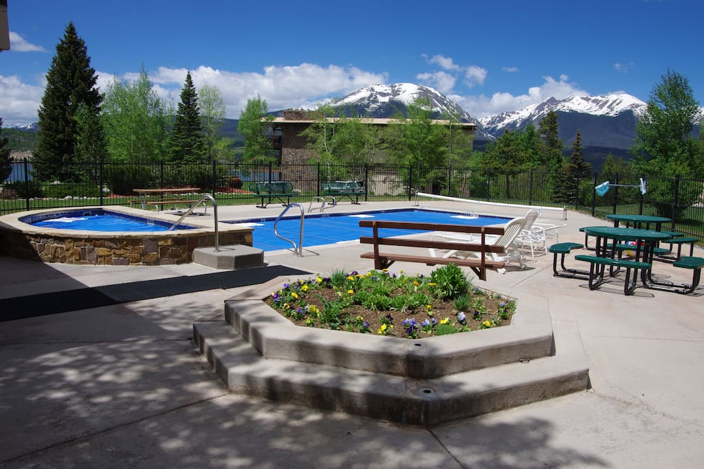 You'll love the fantastic community amenities!