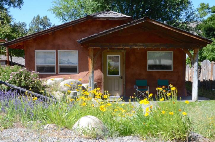 Overhill Cottage 30 days+Extended Stay Rental