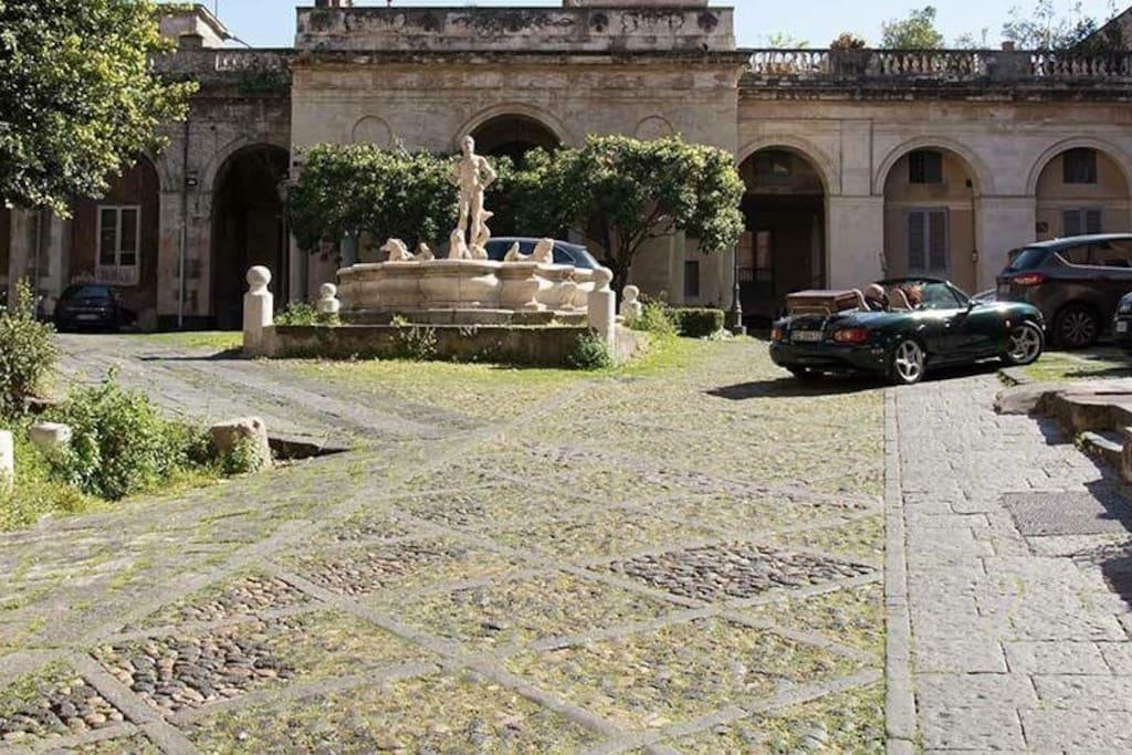 FREE CAR PARKING (Parcheggio Gratuito)