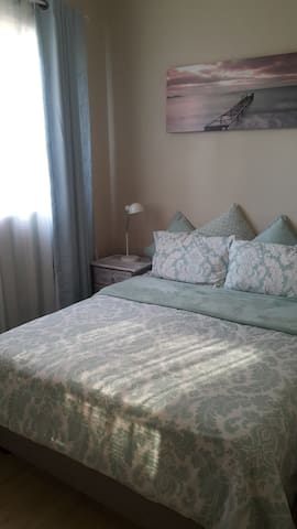 Modern Self-Catering Unit 1km from Menlyn.