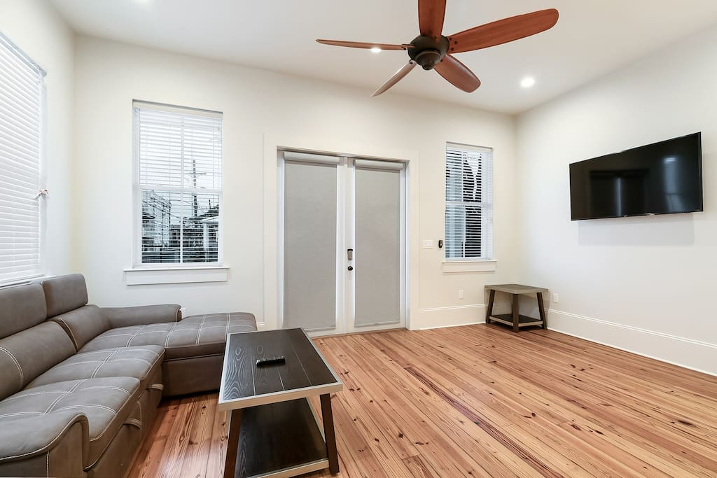 Was visiting NOLA for a business trip turned vacation. The place is a great deal for the price for a big group. Didn't have any issues with the neighborhood or house. Easy to get to public transportation or quick car ride to FQ, etc. Would stay again.  - Cara