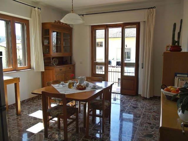 Casa ampia, luminosa, silenziosa - Sarteano  - House