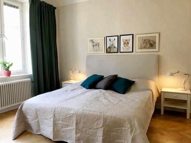 Stylish & light 2 room apartment in SoFo, 60sqm