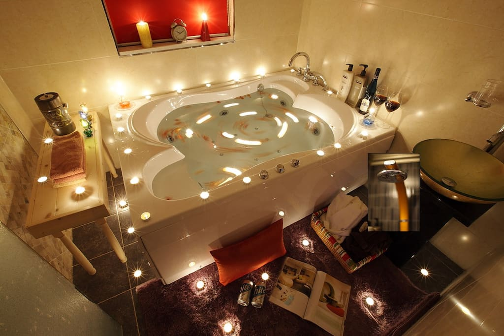 Whirlpool spa tub