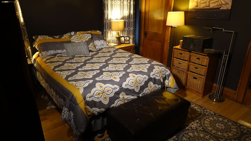 "MASTER BEDROOM - 120"" DLP PROJECTOR, APPLE TV, BLU-RAY, XBOX 360"