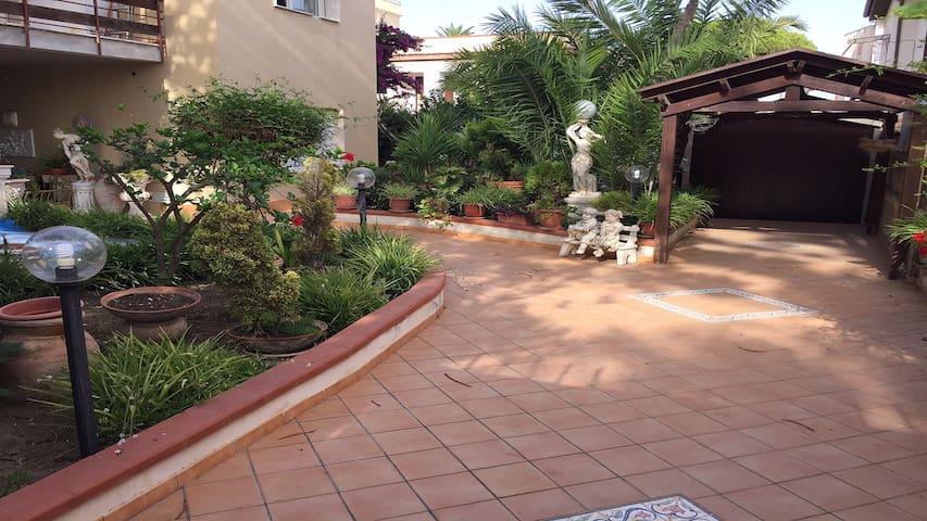Appartamento in villa al centro di San Leone - Villaggio Mosè - Villa