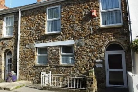 Newly refurbished 4 * flat with stunning sea view