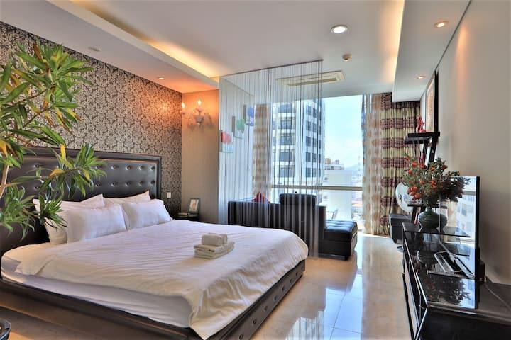 Nha Trang Center - Studio apartment with free Pool