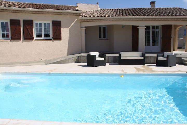 Villa 4 chambres à la campagne proche Carcassonne - Villegailhenc