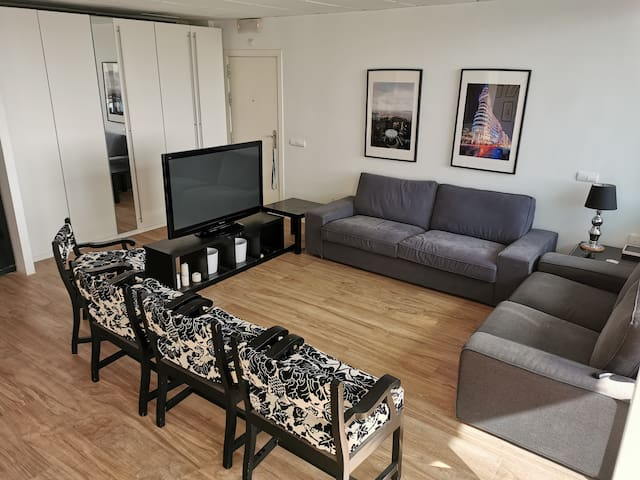 Relax luxury loft, golf, airport, private parking.