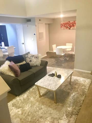 Loft Apartment Close to Uptown and South End