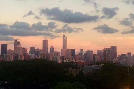 Spacious 1bd/1ba in PERFECT Lincoln Park location - Chicago