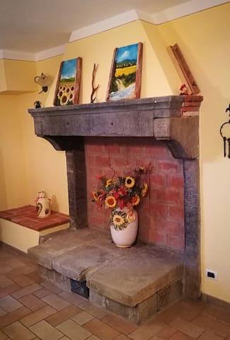 "Casale ""La Ginestra"" - App.to ""Lavanda"" - Palazzo del Pero - Haus"