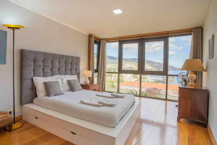 Funchal Amazing Sea View Apartment with Pool