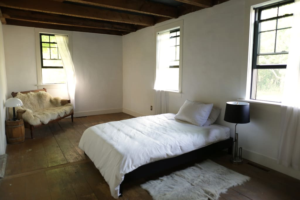 This is our second guest room, connected to the main guest room by an adjoining door. Available to rent  for an additional $75 for 1-2 additional guests in your reservation. It will not be rented out on the night of your stay, otherwise.