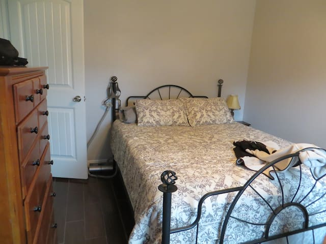 Comfy and clean XL sleeper - McKinney - Talo