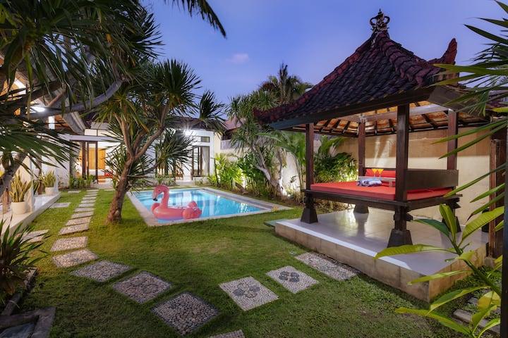 Mertanadi Seminyak! 3 Bedroom Private Pool Villa!
