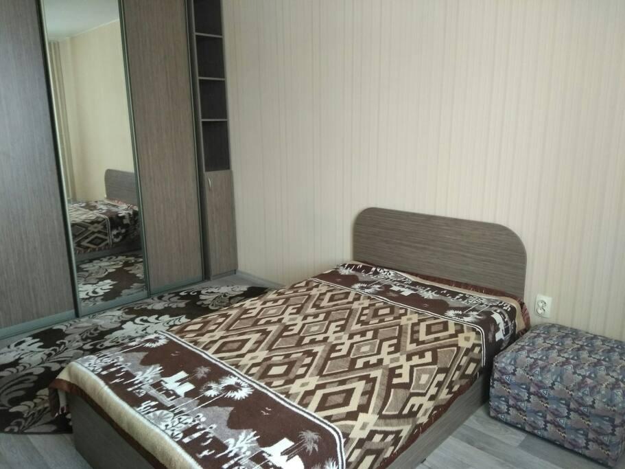 Спальное место и шкаф