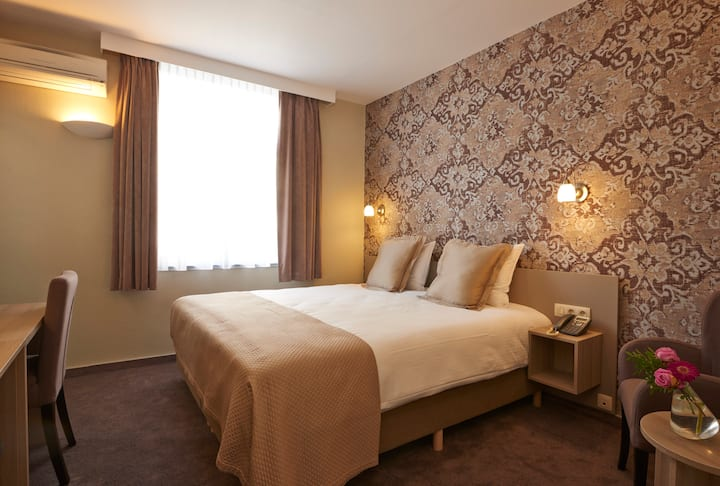 Standard Double Room Comfortable, Spacious & Quiet