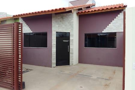 Casa roxa 3/4 C .lem. BA
